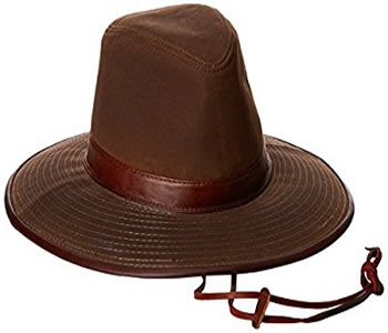 safari hat-what to wear on a congo safari